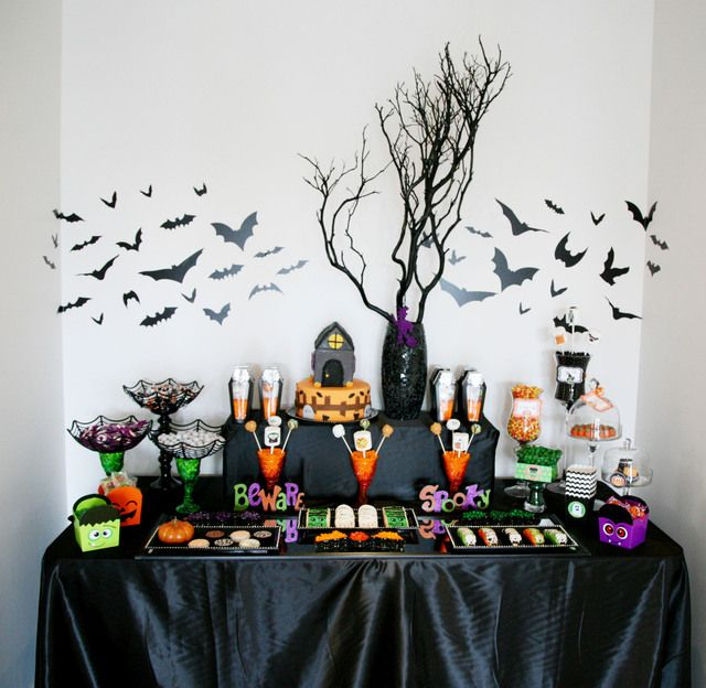 18b64048ed95519ed78673292eaa8687--halloween-candy-bar-halloween-dessert-table
